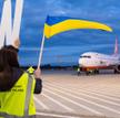 W Łodzi samolot witali pracownicy lotniska z napisem WELCOME