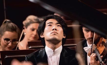 Zdobywca pierwszej nagrody, 24-letni Bruce (Xiaoyu) Liu z Kanady był ulubieńcem publiczności