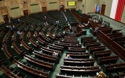 """Odwołanie posła w trakcie kadencji? Polacy mówią """"tak"""""""