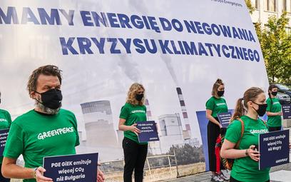 Greenpeace spotka się z PGE w sądzie. Żąda odejścia od węgla