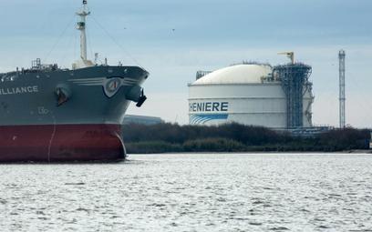 Amerykański gaz dobijający do brzegów Europy zmusza Gazprom do walki o rynek i inwestorów.