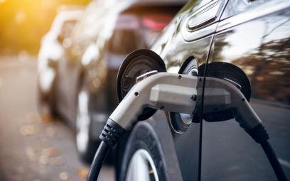 W 2050 r. w Polsce może być ponad 16 mln samochodów elektrycznych – prognozuje Cambridge Econometric