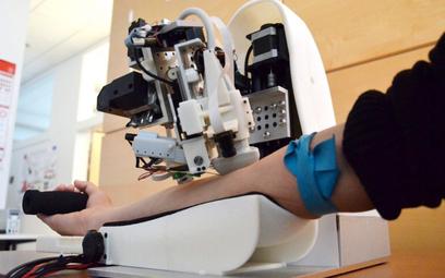 Robot zrobi zastrzyk i pobierze krew. Szybko i prawie bez bólu