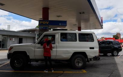 """""""Musimy błagać o benzynę w kraju bogatym w ropę"""""""