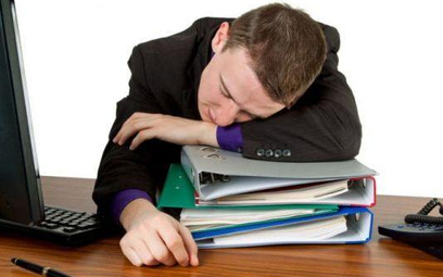 Drzemka w pracy to nie zawsze przejaw lenistwa