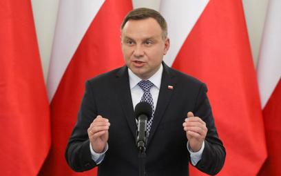 Niemiecki dziennik: Polski prezydent wyzywa rząd na pojedynek