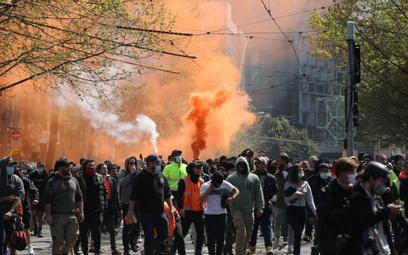 Protest przeciwników lockdownu w Melbourne