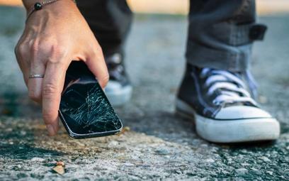 Usuń aplikację bankową, zanim oddasz telefon do naprawy
