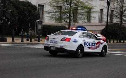 Zamaskowani biali nacjonaliści przeszli ulicami Waszyngtonu