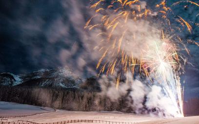 Ryzykowne powitanie Nowego Roku w domku w górach