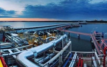 Przedstawiciele Polskiego LNG, firmy zależnej od Gaz-Systemu, podpisali protokół odbioru do użytkowa