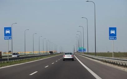 KAS: Z e-TOLL przejazd po płatnych drogach 25% taniej