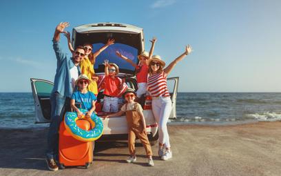 Na jakie zniżki wakacyjne można liczyć z Kartą Dużej Rodziny