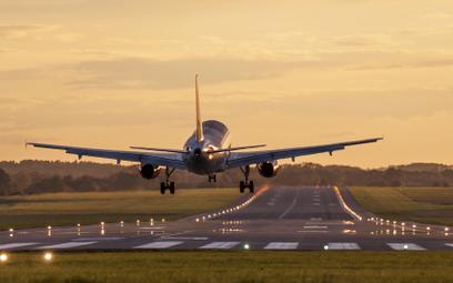 Wielka Brytania: eksperci wzywają do zakazania lotów krajowych
