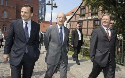 Od lewej: Radosław Sikorski, Alain Juppe, Guido Westerwelle