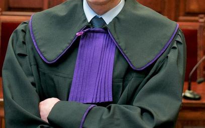 Przewlekłość sądów - płacimy za długie postępowania