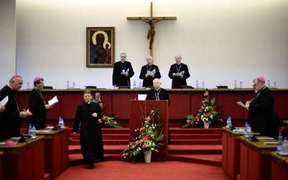 Biskupi o słowach Brauna: posunięto się do oszczerstwa