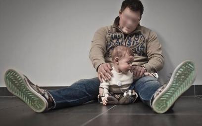 Jeżeli dziecko urodziło się w czasie trwania małżeństwa, domniemywa się, iż pochodzi od męża matki.