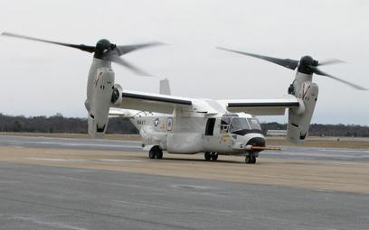 Pierwszy samolot transportowy pionowego startu i lądowania CMV-22B Osprey po przylocie do bazy w Pat