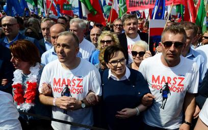 Małgorzata Kidawa-Błońska, Grzegorz Schetyna, Ewa Kopacz i Bartosz Arłukowicz na Marszu Wolności