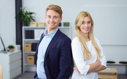 Czy ulgowy ZUS nie przysługuje osobie współpracującej z firmą małżonka?
