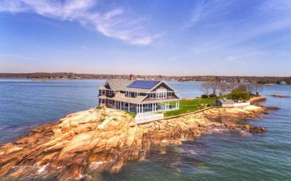 Idealny dom na samotnej wysepce sprzedany. Po siedmiu latach
