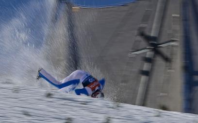 Loty narciarskie. Przerażający upadek Daniela Andre Tande