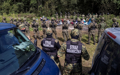 Uchodźcy na granicy bez pomocy prawnej i lekarskiej