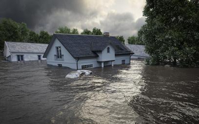 Posesja zniknęła pod wodą, aby chronić tereny przed zalaniem