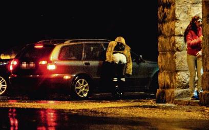 Po zaostrzeniu prawa w Szwecji liczba prostytutek na ulicach zmniejszyła się o połowę, a w sąsiednie