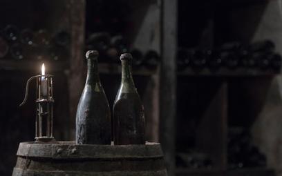 Trzy butelki wina z 1774 roku trafią na aukcję we Francji