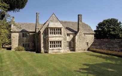 Najstarszy dom w Anglii na sprzedaż. To był prezent od króla