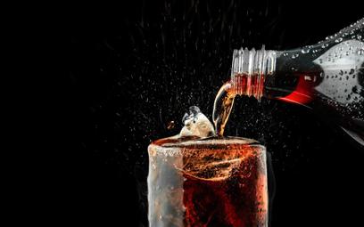 Nie dostanie odszkodowania, choć promował napój z koką, której nie było w składzie - wyrok SN
