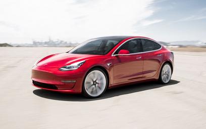 Tesla model 3 w wersji o połowę tańszej niż dotychczas