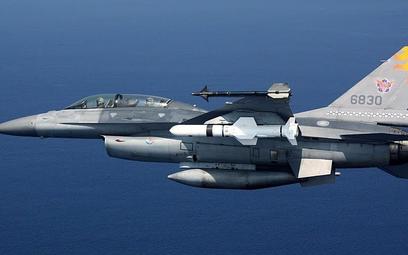 Tajwański F-16B Block 20 to jedna z maszyn dostarczonych jeszcze w latach 1997-2001. Fot./Siły Powie