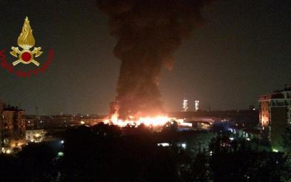 Wielki pożar w Mediolanie. Płoną śmieci, mieszkańcy mają nie otwierać okien