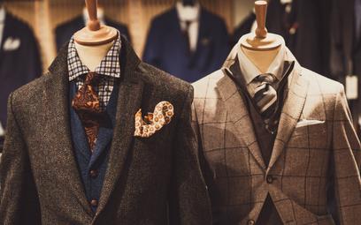 Badanie UOKiK: marki odzieżowe najczęściej oszukują mężczyzn