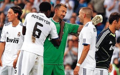 Jerzy Dudek (w środku) spędził w Realu cztery sezony. Rozegrał 12 meczów: po dwa w lidze i Lidze Mis