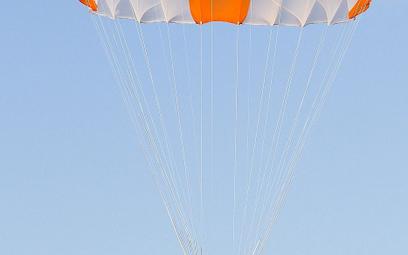 Spadochron ratowniczy siedzeniowy S-4. Fot./Air-Pol.