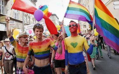 Rezolucja PE ws. tęczowych rodzin i LGBT. Polska na celowniku