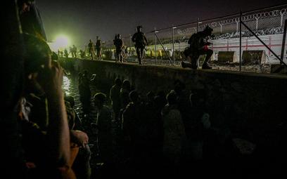 Afganistan: Strzelanina na lotnisku w Kabulu. Jest ofiara