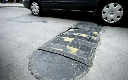 Ważne skutki zmniejszenia prędkości - WSA o montowaniu na drodze progu zwalniającego