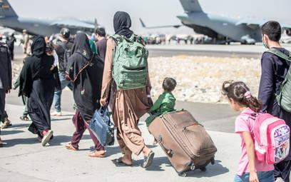 MSZ: Nie możemy dłużej ryzykować. Koniec ewakuacji z Afganistanu