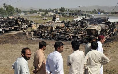 W nocy talibowie zaatakowali konwój i dwa posterunki policji