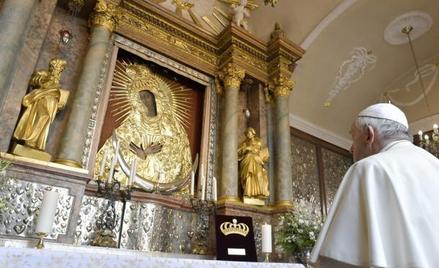 Papież Franciszek w czasie ostatniej pielgrzymki na Litwę odwiedził kaplicę w Ostrej Bramie