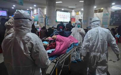 Chiny: Liczba ofiar koronawirusa wzrosła do 425