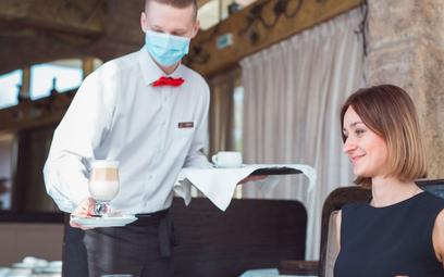 Koronawirus: Odmrozić biznes, walcząc z epidemią – to możliwe