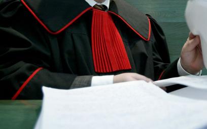 Prokurator rozbił kibolską mafię, został odwołany