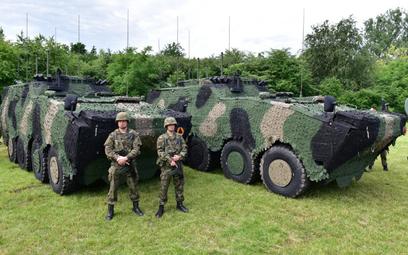 Na początku lipca 18. Dywizja Zmechanizowane otrzymała dwa nowe wozy dowodzeni Rosomak WD. Fot./18.