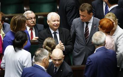 Prezes Jarosław Kaczyński i klub PiS w Sejmie